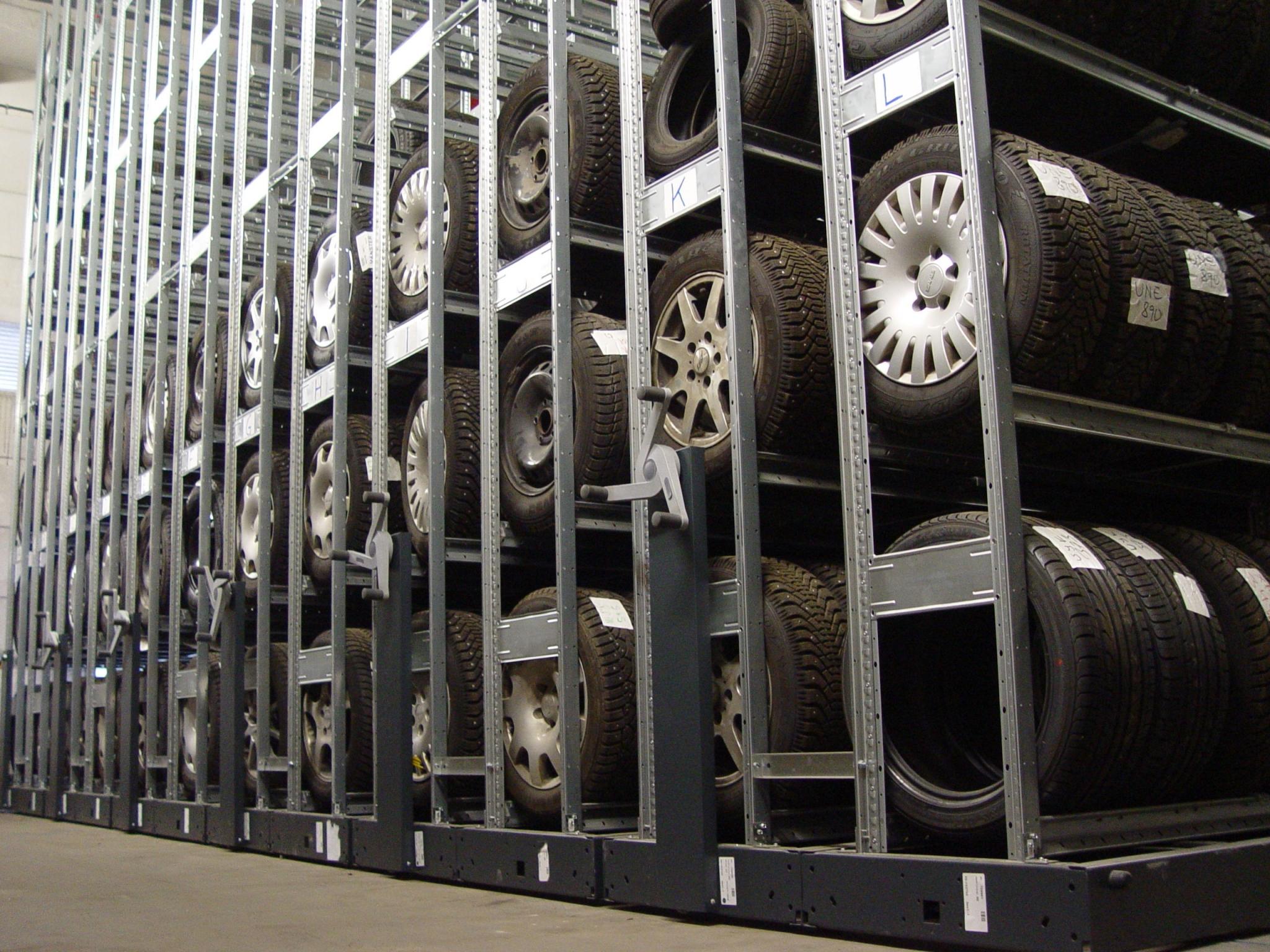 Hi280 Mobile Tyre Shelving